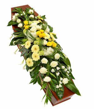 kompoziciya-na-grob-iz-jivih-cvetov-№7-kremacionnaya
