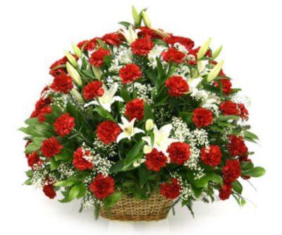 Траурная корзина из живых цветов №10
